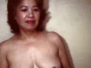 很老的中国老奶奶