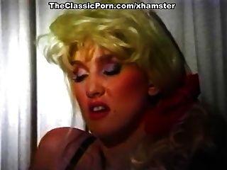 惊人的经典色情明星在经典的性爱场面