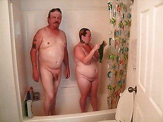 洗澡不是我的继父在法律上