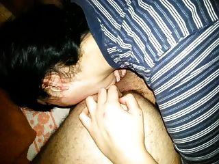 舔肛门和前列腺按摩使语言