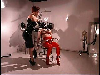 bdsm情妇和她的性奴隶