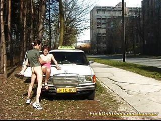 出租车司机他妈的在公共