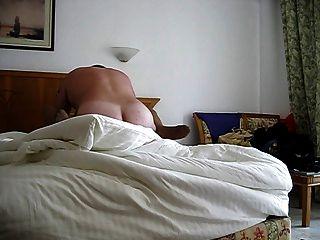 他妈的在酒店房间