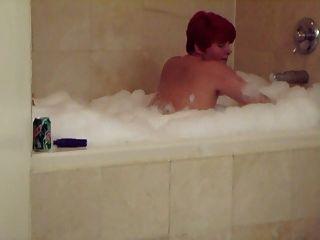 妻子得到他妈的热浴缸hubby电影