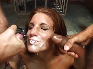 热cum情人让她的脸覆盖着