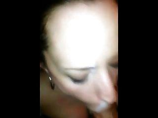 年轻的暨妓女想要那个热暨在她的脸上