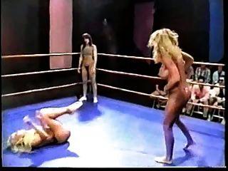 裸体专业戒指摔跤