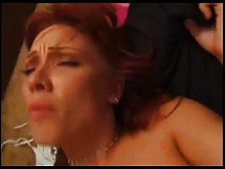角质的红头发爱她深深的屁股