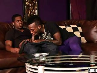 同性恋非洲人吸吮公鸡
