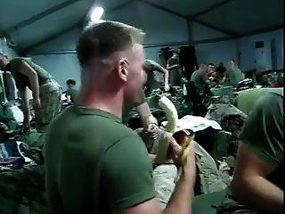 士兵深喉香蕉