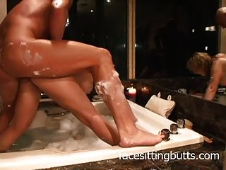一个很好的浴室他妈的