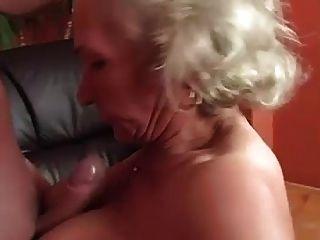 奶奶生日快乐 完整的视频