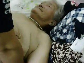 亚洲奶奶1