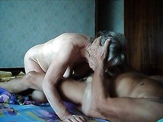 奶奶和爷爷他妈的