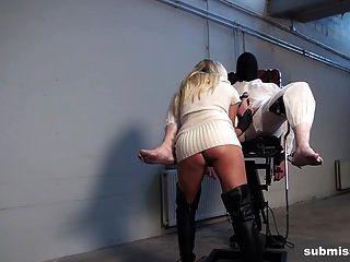 submissed.com barra和她的两个奴隶
