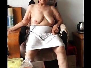 亚洲奶奶6
