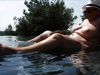 游泳池的爱