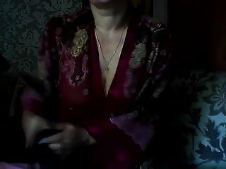 热俄罗斯成熟妈妈elena在Skype上玩