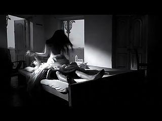 女演员riya sen在黑巧克力的热场面