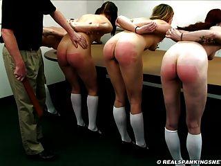 赤裸裸的学校女孩捆扎