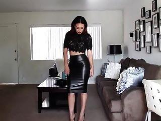 cari皮裙子