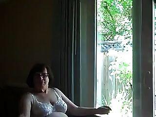 他妈的奶奶comsluts嘴在窗前