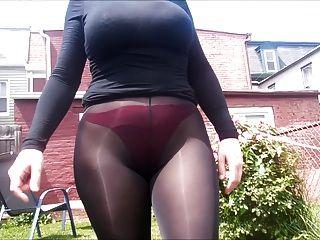 氨纶天使性感通过外面的紧身裤看