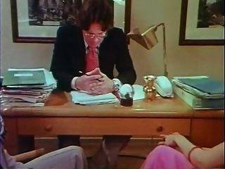 她不是天使(1976)