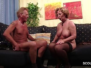 德国老夫妇在第一次色情角色扮演