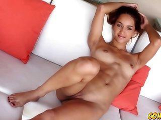 超级热的女孩与她的阴部玩