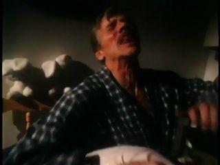 魔鬼在小姐琼斯4(1986)场景1&8