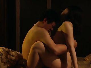 另一个韩国成人电影的性爱场面