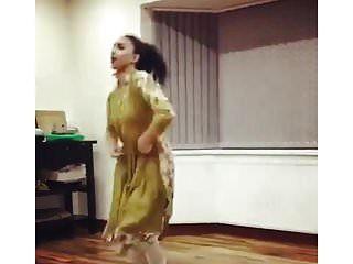 英国巴基斯坦单身女孩舞蹈非裸体传统非裸体