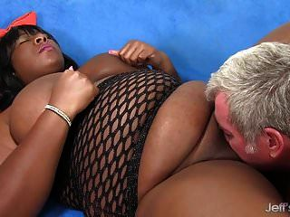 黑人bbw daphne daniels喜欢一个身材肥胖的男人