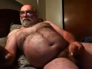爸爸在网络摄像头上自慰