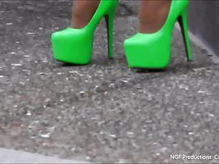 索菲亚霓虹灯高跟鞋