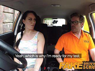 假驾驶学校凌乱的体内射精高潮为性感作弊