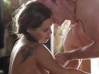 感性的女孩和充满激情的性