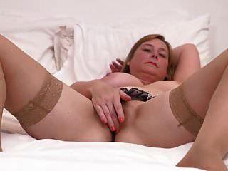 bigtit成熟的母亲与可真糟的阴部