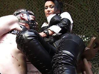 德国皮革女士男性奴隶烟灰缸