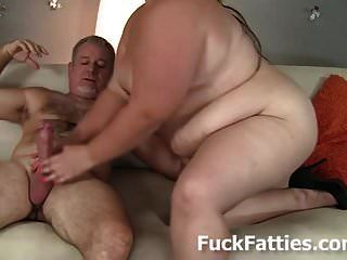 jiggly肥胖的肚子和巨大的山雀bbw