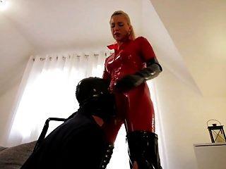 红色乳胶猫套装黑色靴子乱搞奴隶