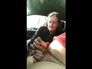 奶奶吮吸车