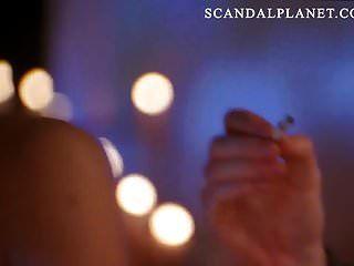 scandalplanetcom上的安吉丽娜朱莉裸照裸体场景