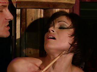 不忠的妻子应该受到惩罚。