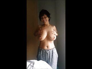 亚洲女士摩擦大山雀
