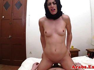 盖头阿拉伯宝贝需要现金为性pov