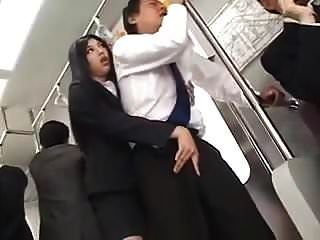 感性的长长的戏弄和hj在火车上(审查)