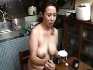 裸体日本妈妈大山雀