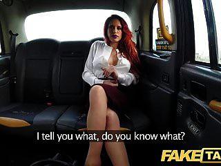 假出租车个人丰满的红发教练在野生出租车他妈的
